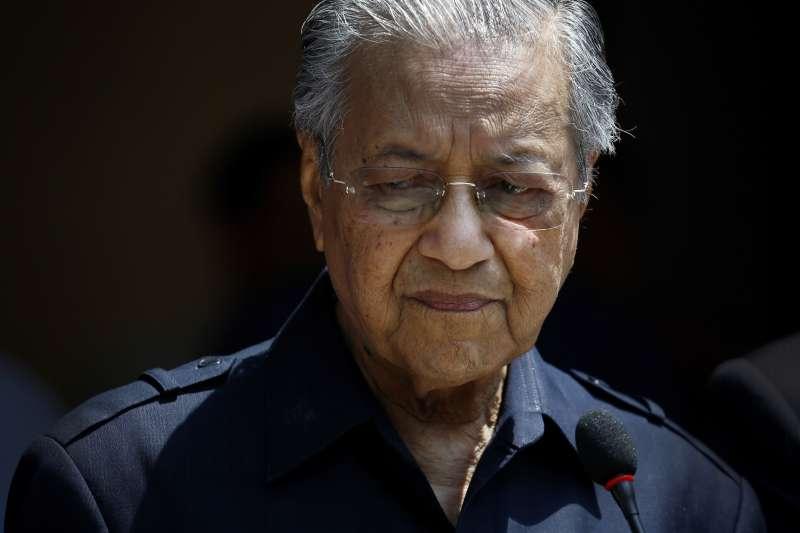 2018年5月11日馬來西亞總理馬哈地證實將赦免安華。(AP
