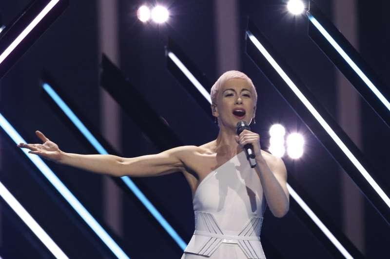 2018歐洲歌唱大賽:英國歌手蘇莉演出遭不明人士鬧場(AP)