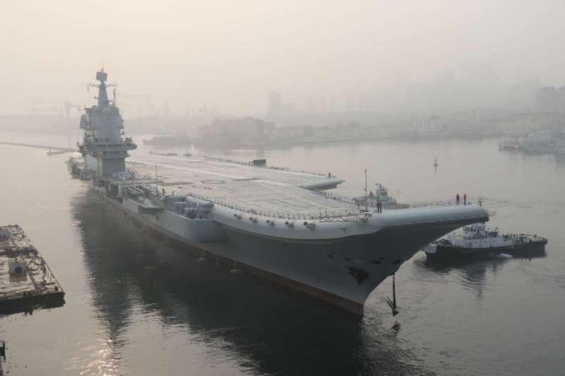 2018年5月13日,中國第一艘國產航空母艦(國產航母)出海試驗(新華社)