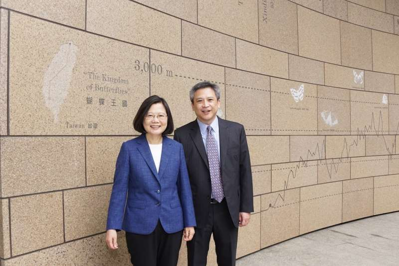 AIT內湖新館6月啟用,總統蔡英文今(15)日搶先參觀。(取自AIT臉書)