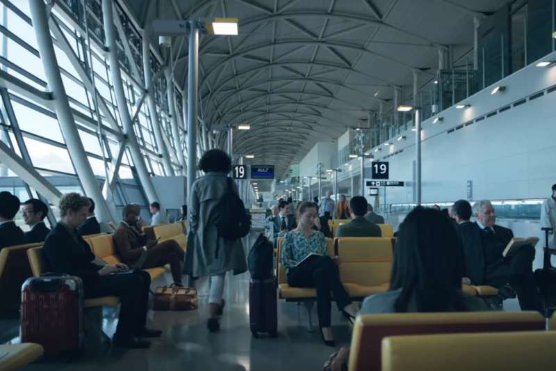 在機場其實是最好練習英文的地方,因為海關人員碰過各種非英語系國家的人,所以你就算支支嗚嗚的,他們也不會覺得很奇怪,不會覺得你很丟臉。(示意圖非本人/翻攝自youtube)