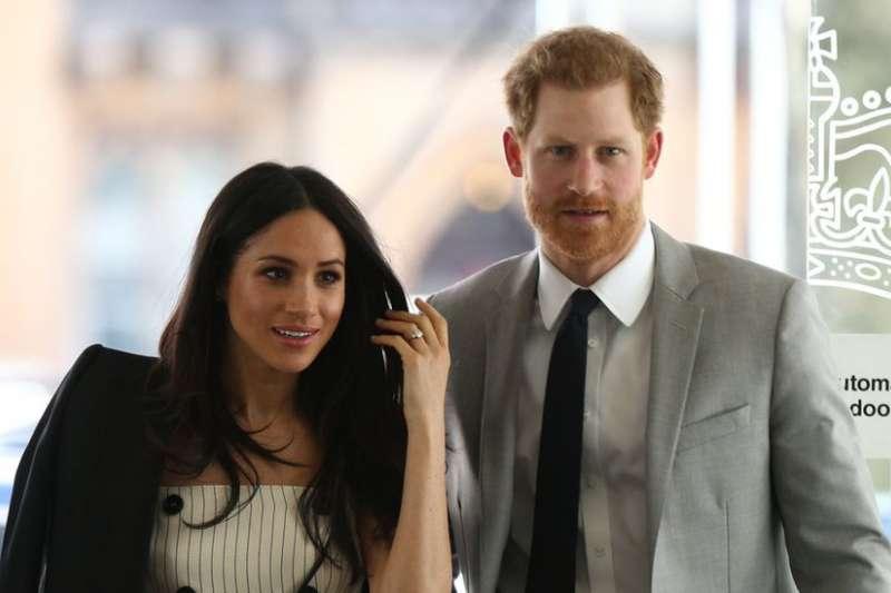 英國哈利王子即將迎娶有黑人血緣的美國女演員梅根·馬克爾。這場「最浪漫的王室婚姻」對英國王室和多元化社會有何影響?(BBC中文網)