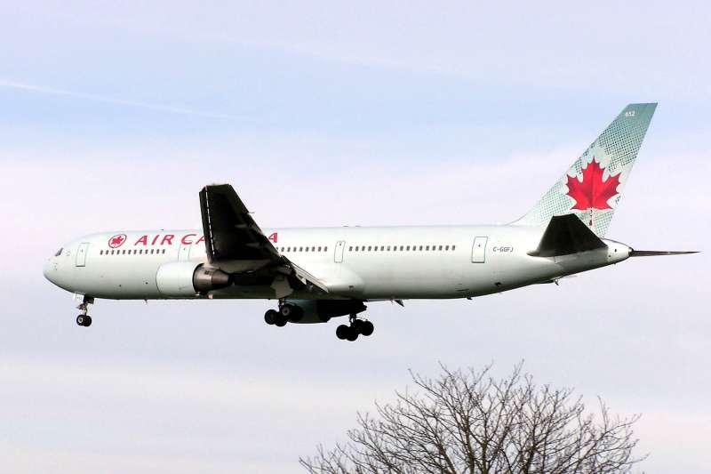 加拿大航空飛機外觀。 (取自維基百科)