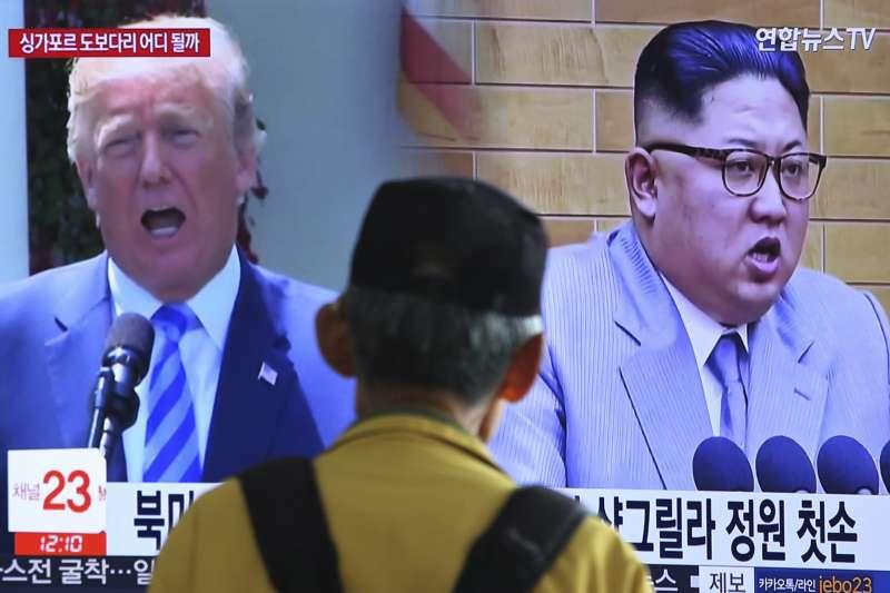 川普與金正恩的會面在即,卻因韓美舉行「超級雷霆」軍演,白宮國安顧問波頓的「利比亞模式」,宣布無限期延遲會面。(美聯社)