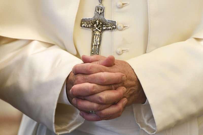 遭受色魔神父的荼毒,等待二十幾年,受害者終於等到梵蒂岡教廷做出符合「良知」的回應。(AP)