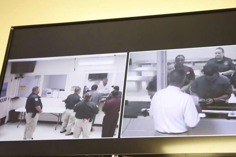 德州校園槍擊案:17歲凶嫌帕古爾齊斯接受法官簡單問話(AP)