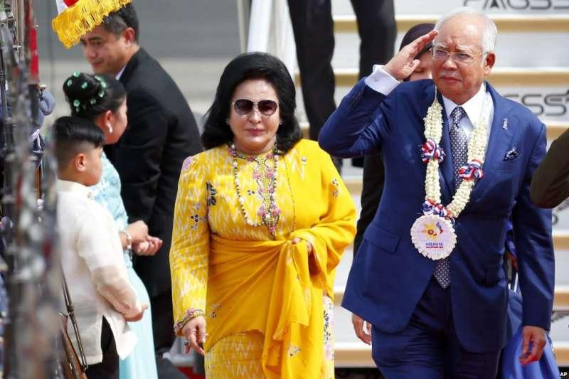 馬來西亞前總理納吉與夫人羅斯瑪(AP)