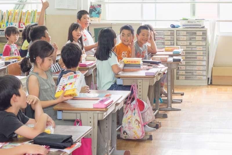 台北市和平實驗小學以「自主學習」為核心概念,透過主題課程引領孩子,逐步邁向「健康自主」、「情緒自主」及「學力自主」。(示意圖,非當事人/Norihiro Kataoka@flickr)