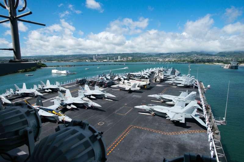 環太平洋聯合軍演:2016年參加演習的美國航空母艦史坦尼斯號(翻攝US Navy)