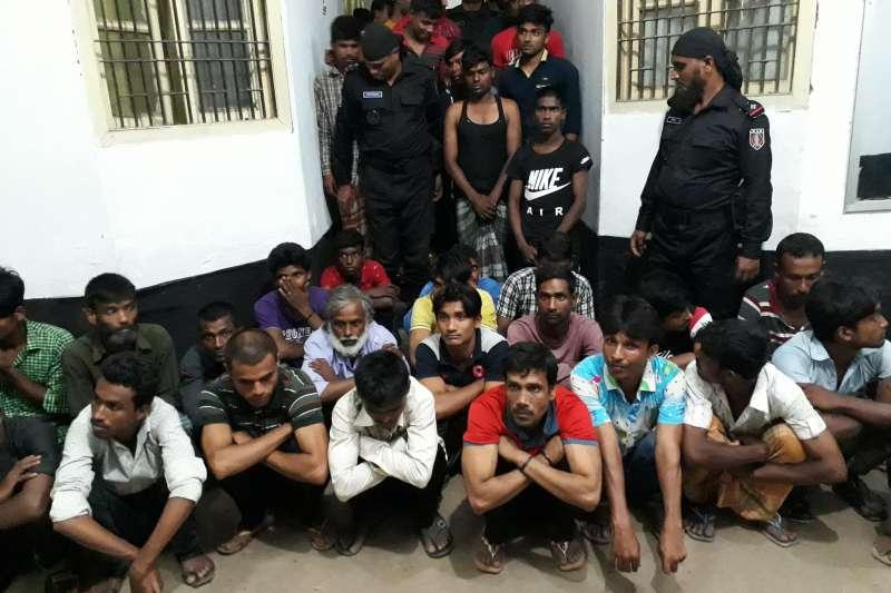 孟加拉反恐部隊「快速行動營」(RAB)本月展開大規模掃毒行動,至少50人遭法外處決,引發人權團體撻伐。(取自RAB臉書)