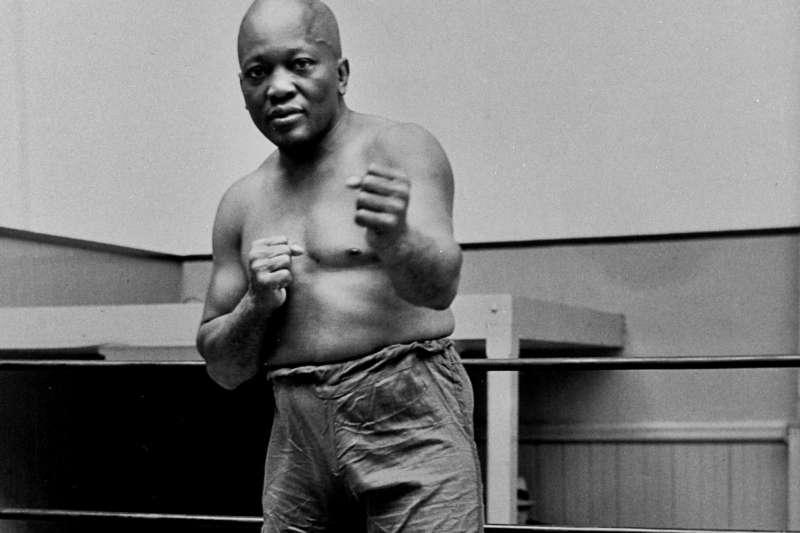 已故首位非裔世界拳王傑克強生。(AP)