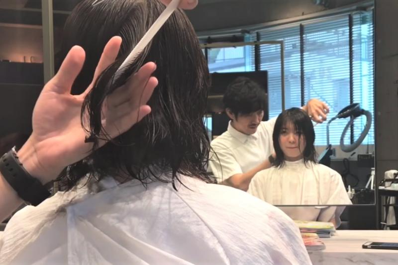 「我剪頭髮了」到底是 I cut my hair還是I got a haircut?兩者意思差很大!(圖/取自youtube)