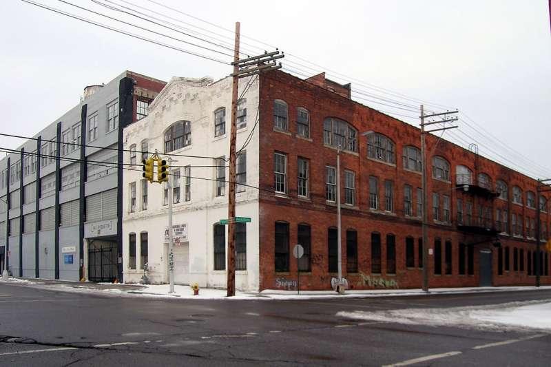 位於底特律的福特舊工廠,鼎鼎大名的福特T型車從1896至1904年便在此生產,同時也見證了美國國力起飛的年代。(取自維基百科)
