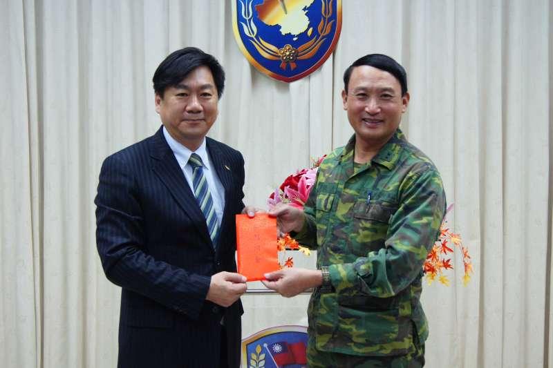 台南市民政局長陳宗彥(左),將接任內政部政務次長。(取自台南市政府網站)