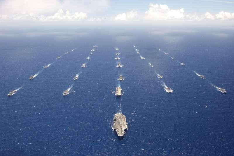 美國海軍主導的「環太平洋聯合軍演」(RIMPAC),2012年(U.S. Navy)
