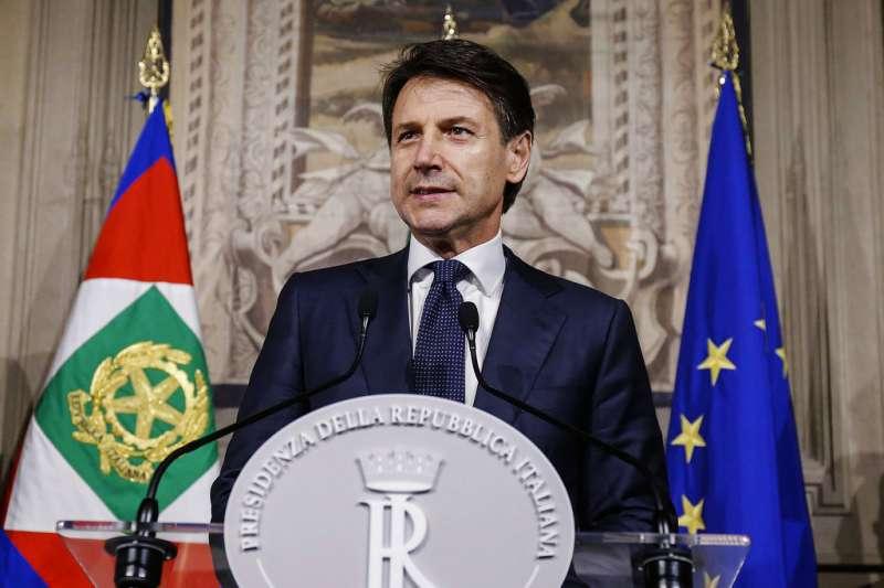 義大利準總理孔蒂(Giuseppe Conte)5月31日前往總統府,宣布內閣名單。(AP)