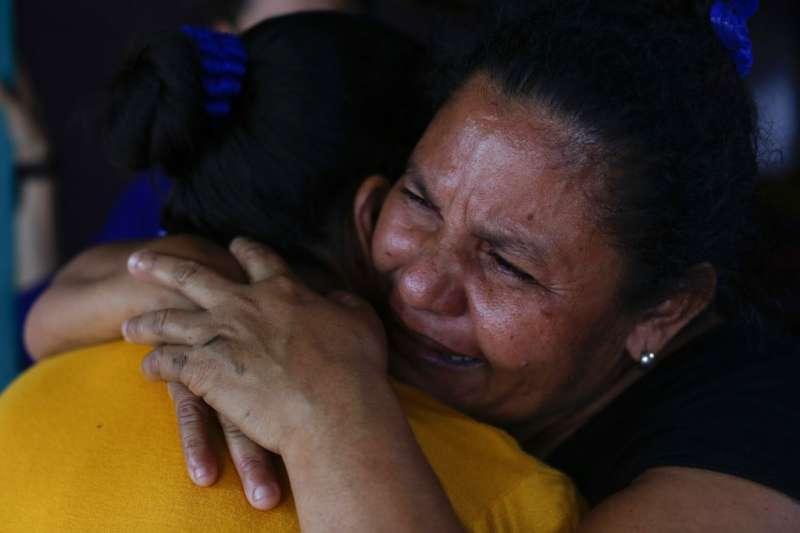 尼加拉瓜母親度過傷心的母親節。AP