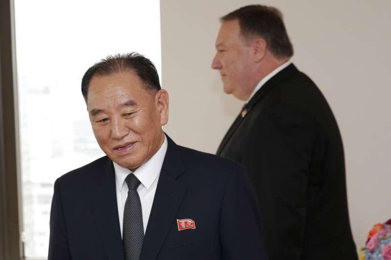 金正恩特使、朝鮮勞動黨副委員長金英哲與美國國務卿龐畢歐。(美聯社)