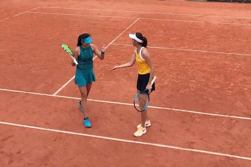 詹皓晴在法網女雙以直落二晉級16強。 (圖取自詹皓晴臉書)