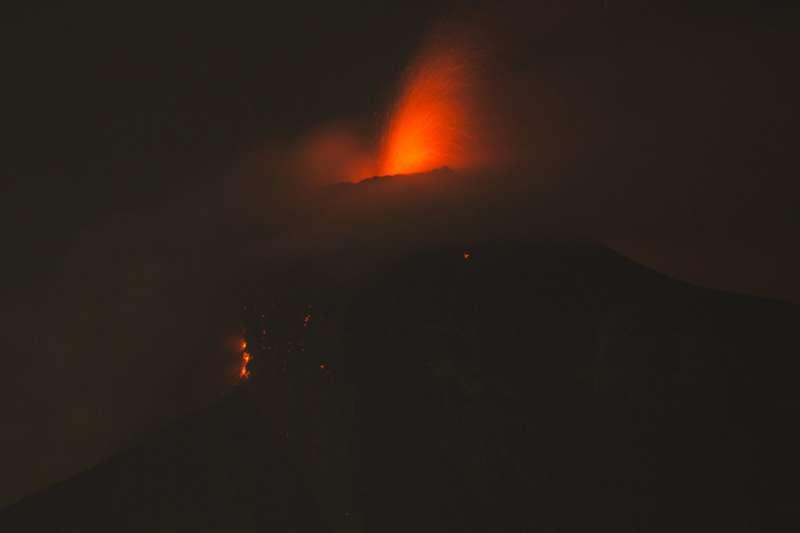 2018年6月3日,中美洲台灣友邦瓜地馬拉福埃哥火山大爆發(AP)