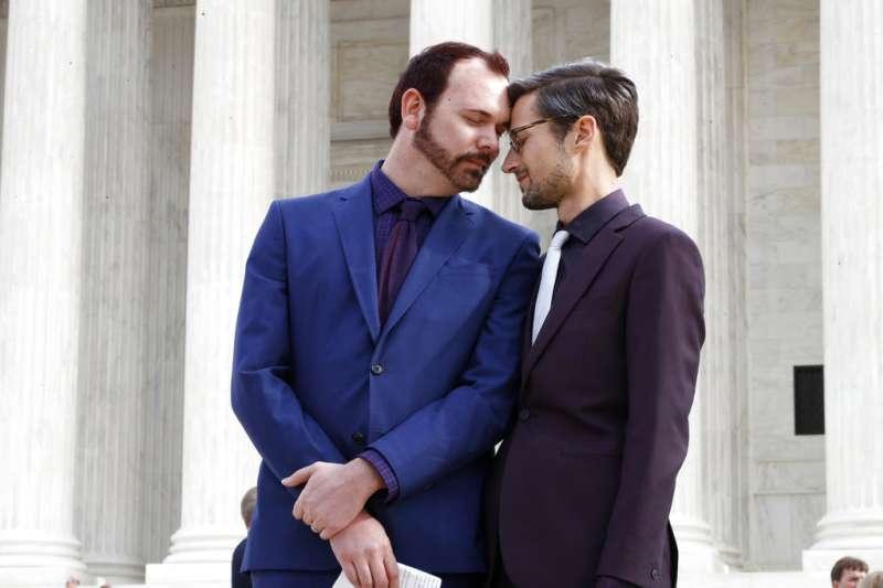 拒售婚禮蛋糕案判決出爐,美國最高法院判決同性伴侶敗訴。AP