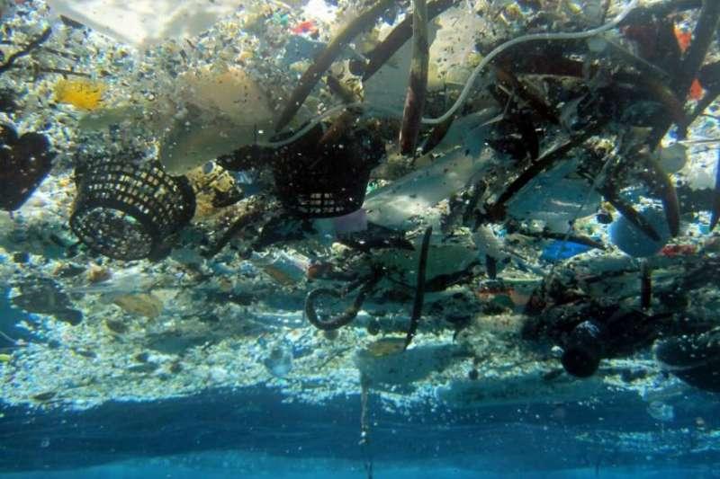 全球海洋塑膠污染日趨嚴重(美聯社)