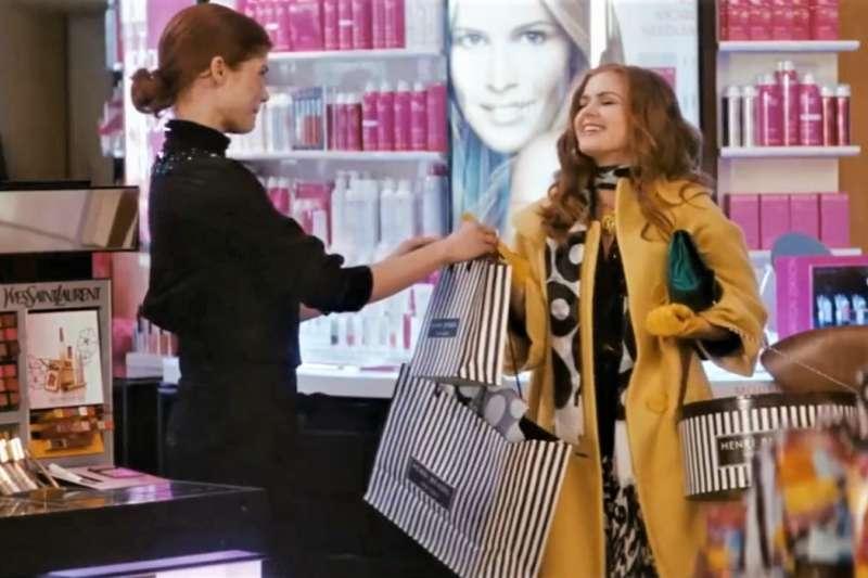 賺很多錢,並花錢購物真的會使我們得到快樂嗎?(資料照,示意圖非本人/翻攝自youtube)
