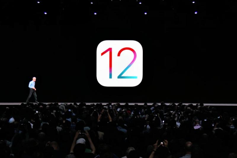 在WWDC2018上,蘋果正式發表新版行動系統iOS 12,帶來進一步的AR技術、全新設計的App、手機成癮管理機制,以及更生動的iMessage與FaceTime溝通應用。(圖/取自Apple,數位時代提供)