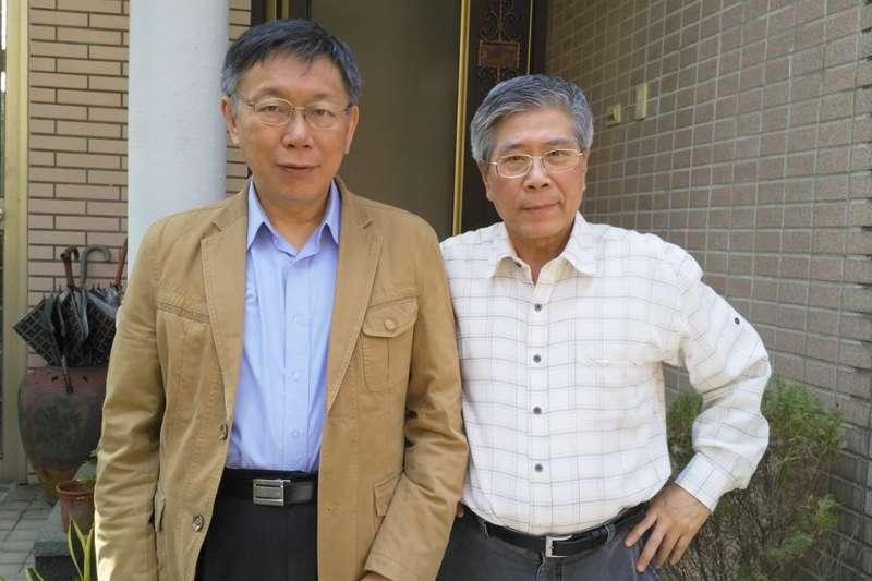 主持人詹錫奎(老包)(右)因挺台北市長柯文哲(左),與綠色和平電台立場不合,主動求去。(資料照,取自詹錫奎臉書)