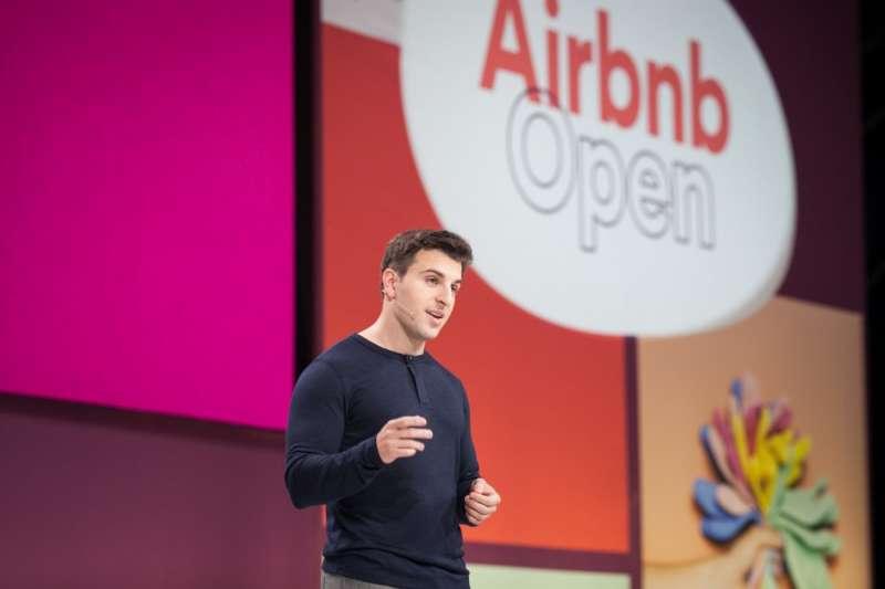 因應日本新民泊法即將在6月15日生效,Airbnb已經大動作將平台上高達8成的不合規房源下架。而接下來,Airbnb將如何走出困局?(圖/Airbnb)