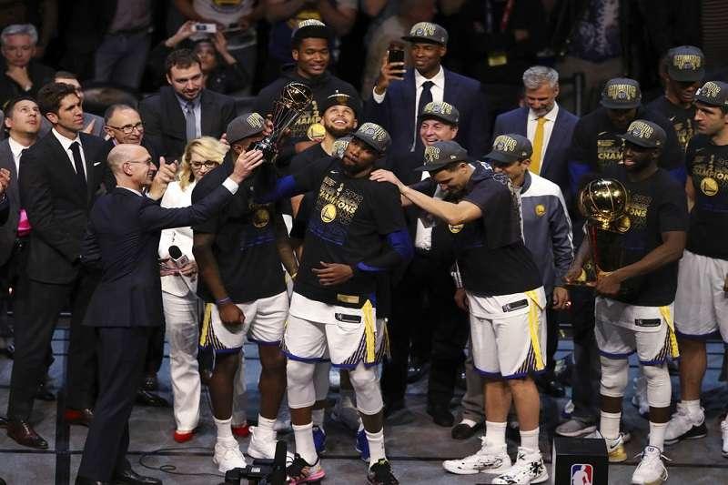 NBA總冠軍賽金州勇士直落四淘汰克里夫蘭騎士。 (美聯社)