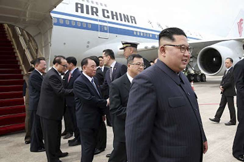 2018年6月10日,川金會舉行在即,北韓(朝鮮)國務委員會委員長金正恩飛抵新加坡樟宜國際機場。(AP)