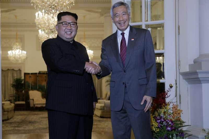 2018年6月新加坡「川金會」,北韓最高領導人金正恩10日抵達新加坡,會晤李顯龍總理(AP)