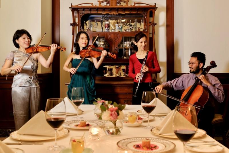 由高雄傑出團隊對位室內樂團量身打造的四套動人樂曲,將與精緻音樂特餐共譜一段浪漫樂章。(圖/高雄市政府文化局提供)