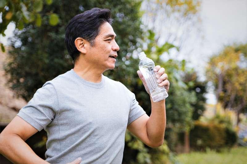 哪些運動不適合50歲以上的中老年人呢?(圖/すしぱく@pakutaso)