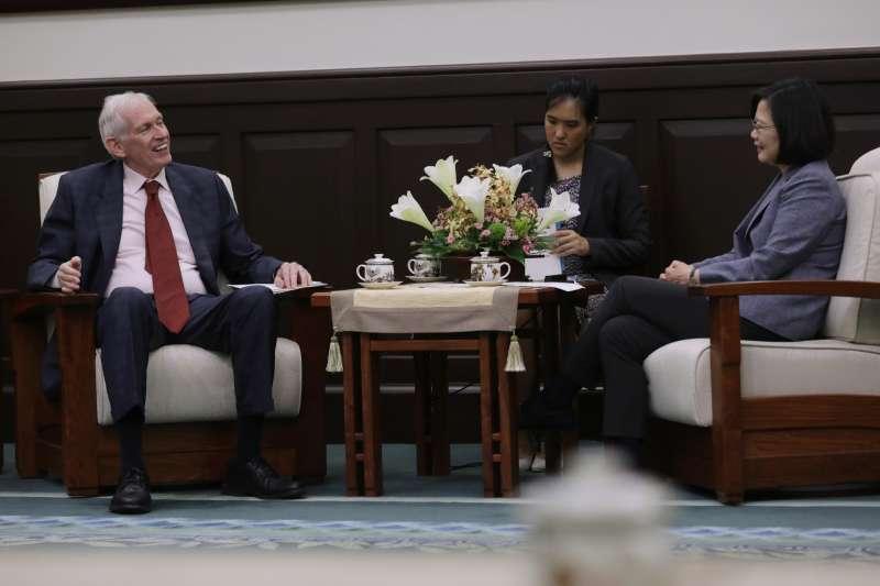 總統蔡英文13日接見「美國在台協會」(AIT)主席莫健(James Moriarty)。(取自flickr@總統府)