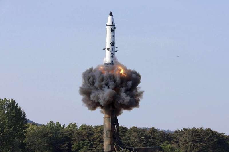 2017年5月22日,北韓試射「北極星2型」飛彈(AP)