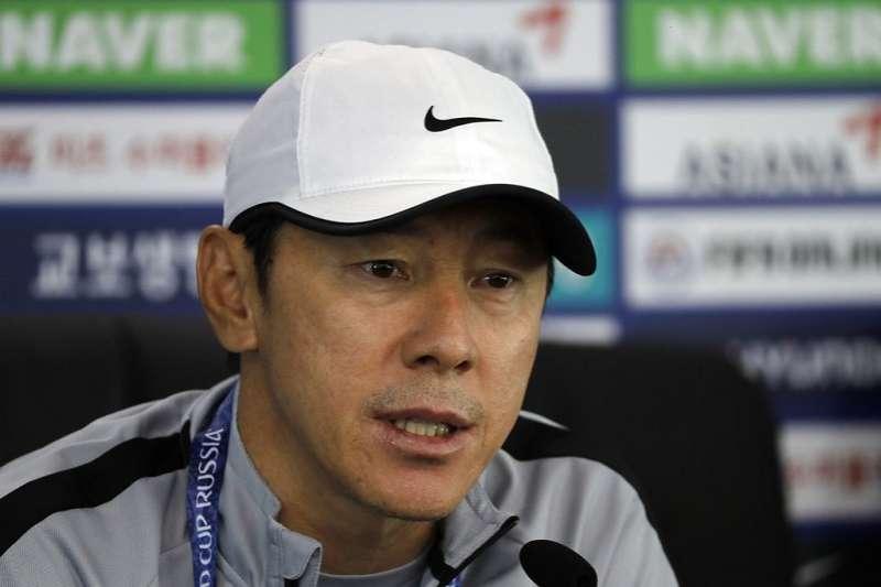 韓國總教練申台龍定出了戰勝瑞典的目標。(美聯社)