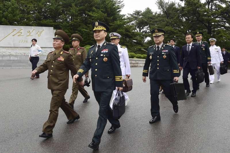 2018年6月14日,南北韓軍方在非軍事區板門店北韓一側的「統一閣」舉行第8次「將軍級軍事會談」(AP)
