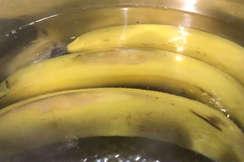 香蕉這樣吃最對味?實測!香蕉沾醬油迸出新滋味?