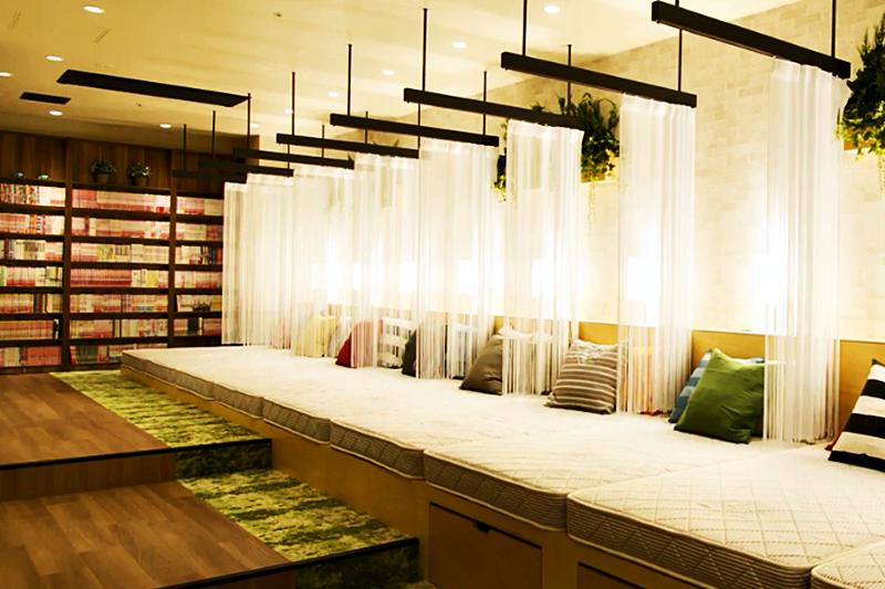 想省點住宿費,膠囊旅館可是不錯的選擇!(示意圖非本人/翻攝自youtube)