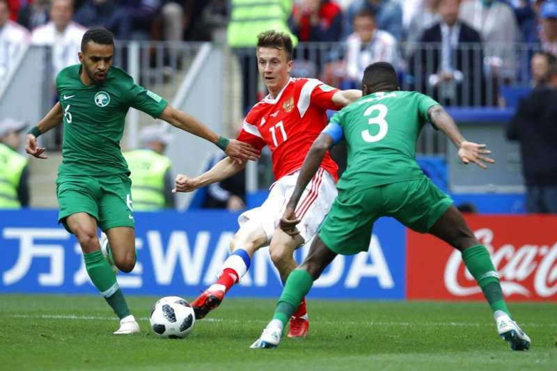 2018年6月14日,俄羅斯世足賽正式開踢,俄羅斯以5比0大勝沙烏地阿拉伯。(AP)