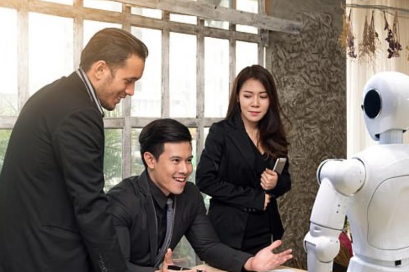 花旗銀集團預計在未來 5 年內, 2 萬名技術與營運員工,將有大 約10,000 人的工作職務會被刪除。(圖/翻攝自每日郵報,智慧機器人網提供)