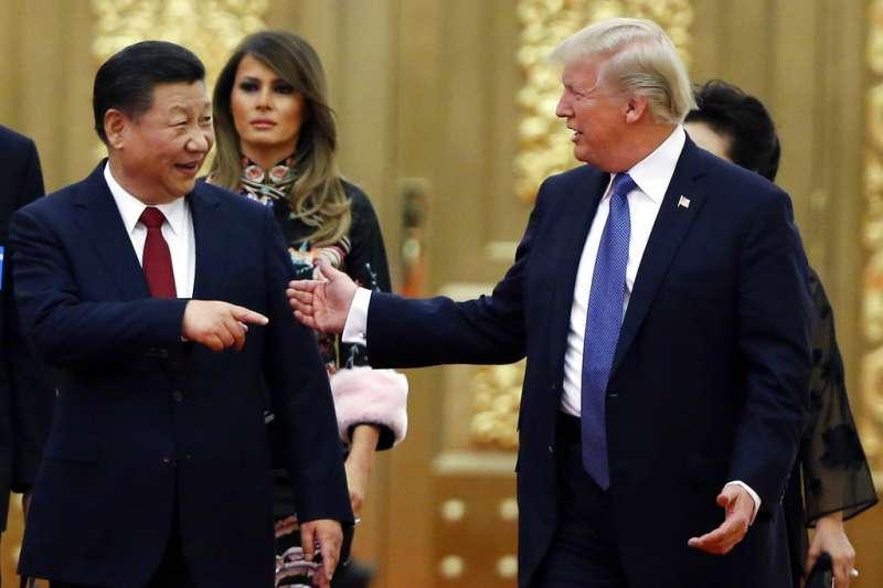 美國總統川普(右)與中國國家主席習近平(左)。(AP)