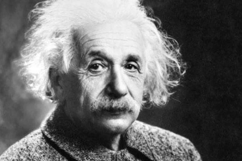 愛因斯坦本人在1946年曾經說過種族主義是「白種人的疾病」(BBC中文網)