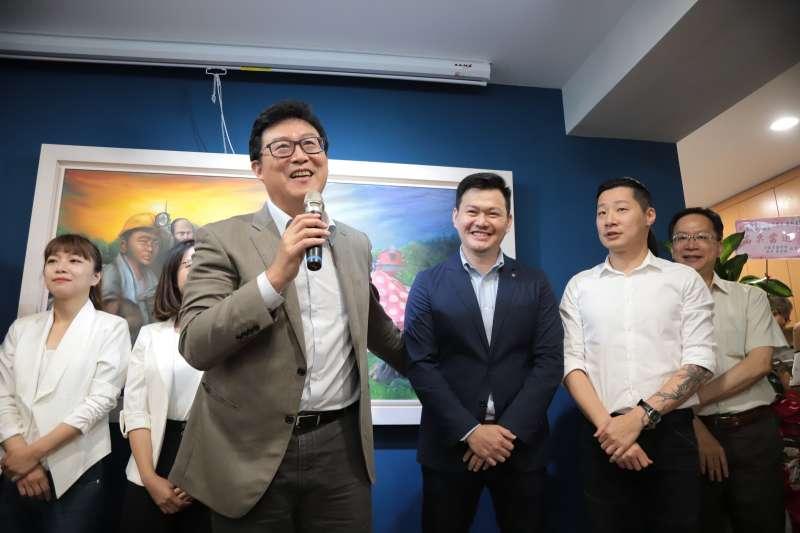 何謂台灣價值?作者指出,一開始只是隨著總統蔡英文順口一句質問柯文哲的話,民進黨內許多人竟又開始用口號分裂台灣人的共識與意志。(資料照,蕭新晟辦公室)