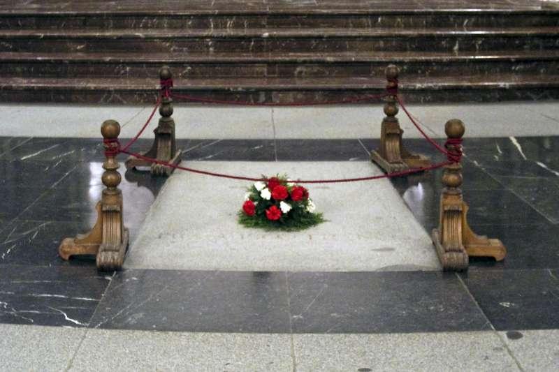 佛朗哥位於烈士谷教堂內的墓地(Xauxa Håkan Svensson @Wikipedia / CC BY-SA 3.0)