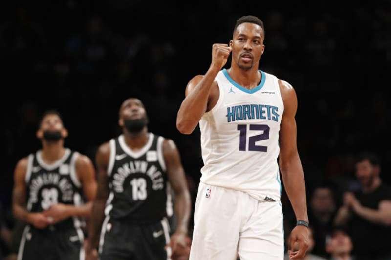 聯盟明星中鋒哈沃德透過交易加盟布魯克林籃網,卻被前NBA球員爆出說是休息室毒瘤,是造成球隊氣氛不佳的元兇。(美聯社)