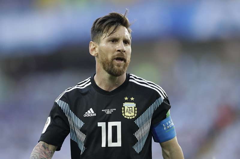 阿根廷今天將面對小組中實力堅強的克羅埃西亞,被認為是決定小組第一的關鍵戰役,陣中大將梅西也將重新出發,帶領阿根廷突破難關。(美聯社)