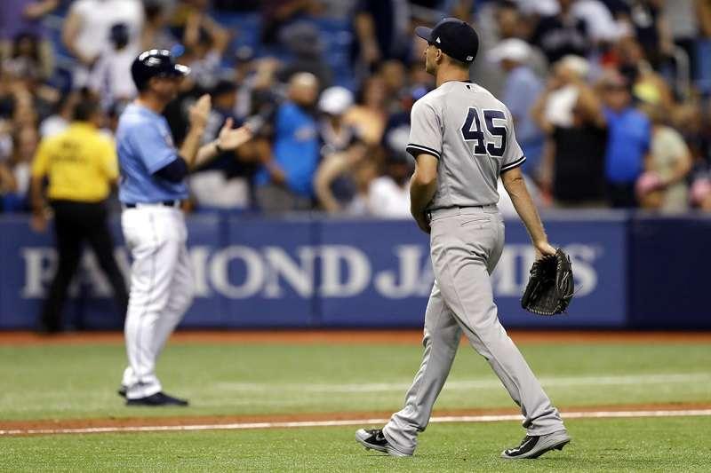 洋基投手被敲出再見轟後失落的背影。 (美聯社)